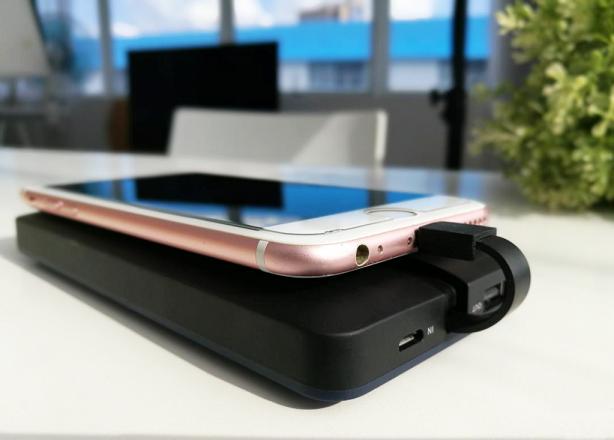 iPhone8移动电源充电.png