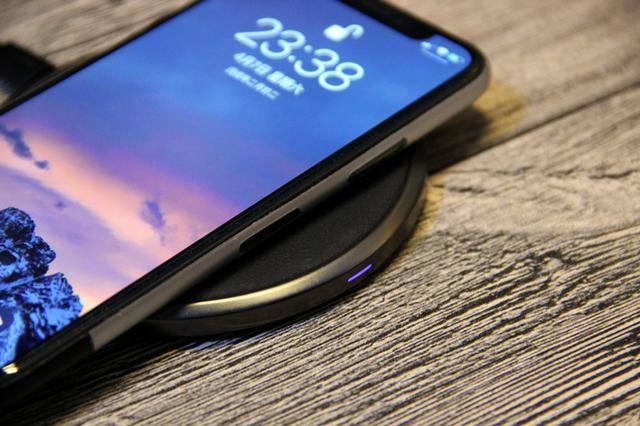 iPhone X支持无线快充,绿联7.5W无线充电器数据实测