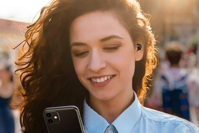 绿联HiTune蓝牙耳机配对手机使用方法